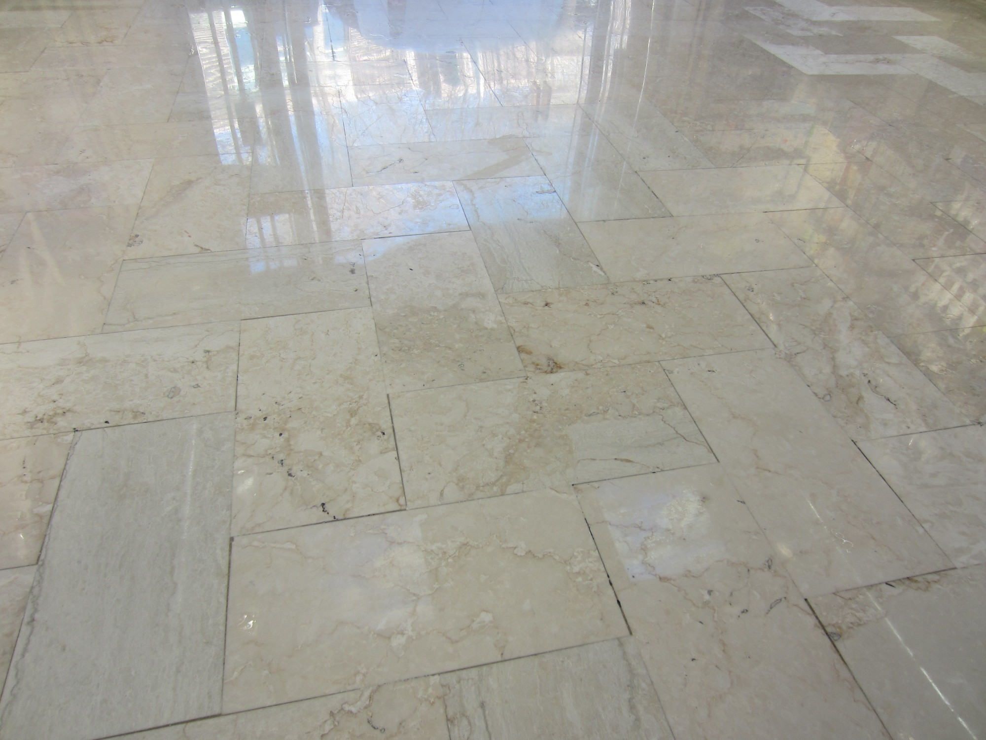 pon age et lustrage de marbre comblanchien a marseille r novation de sols en marbre et parquet. Black Bedroom Furniture Sets. Home Design Ideas