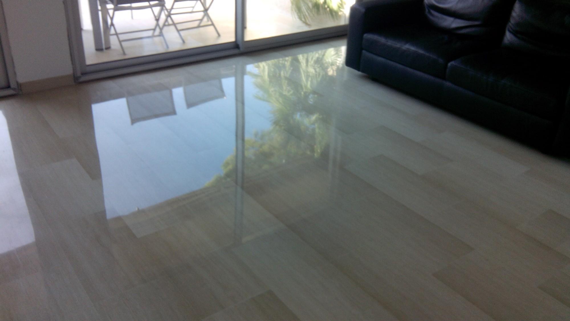cristallisation d 39 un marbre a marseille r novation de sols en marbre et parquet sur marseille. Black Bedroom Furniture Sets. Home Design Ideas